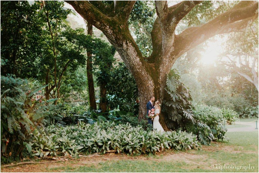 Destination-Wedding-Oahu-Waimea-Valley_0062.jpg
