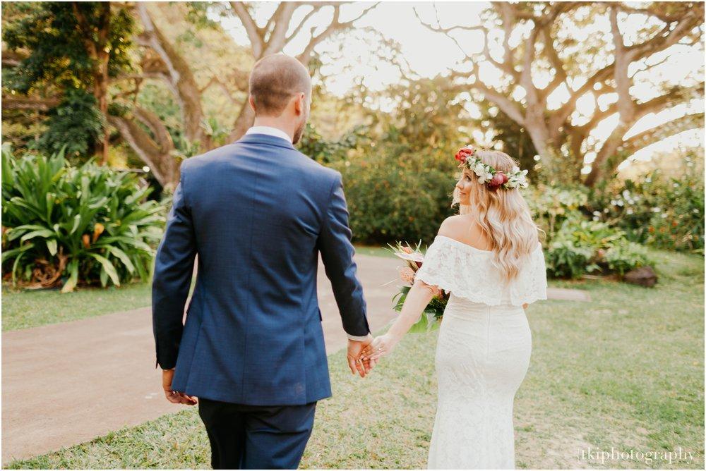 Destination-Wedding-Oahu-Waimea-Valley_0063.jpg