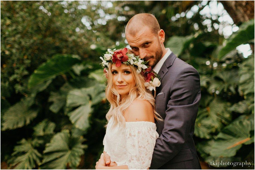 Destination-Wedding-Oahu-Waimea-Valley_0067.jpg
