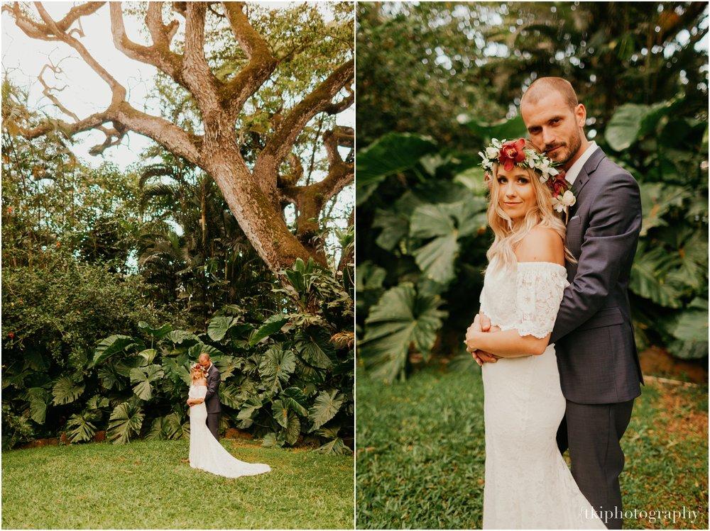 Destination-Wedding-Oahu-Waimea-Valley_0068.jpg