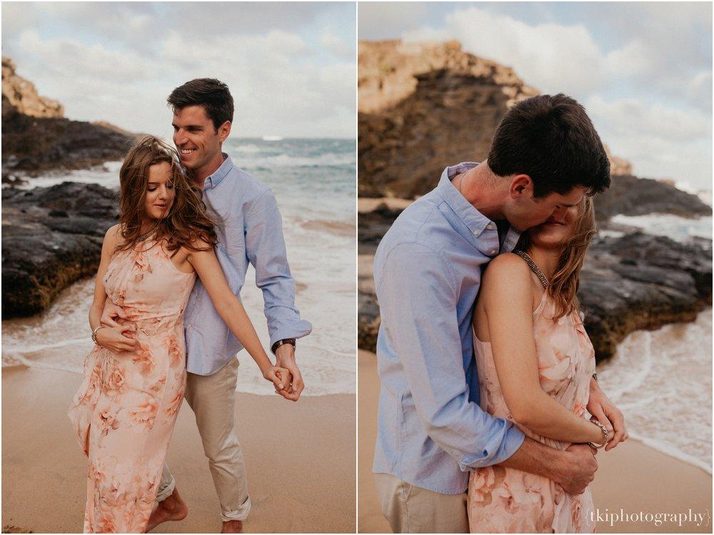 Couples-Session-Hawaii-Sunset-on-the-Beach_0006.jpg