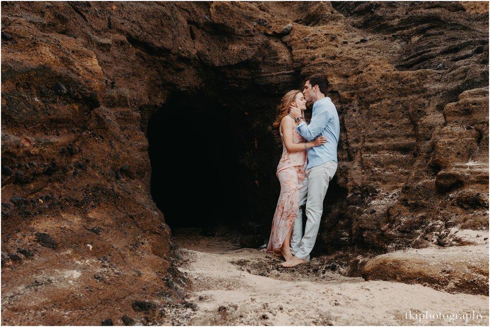Couples-Session-Hawaii-Sunset-on-the-Beach_0007.jpg