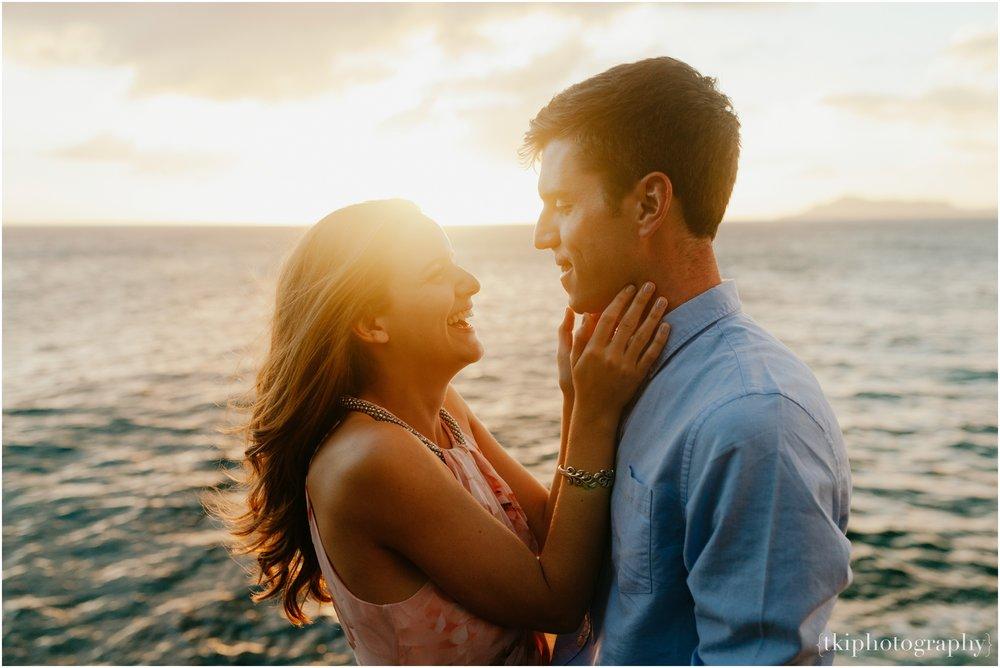 Couples-Session-Hawaii-Sunset-on-the-Beach_0016.jpg