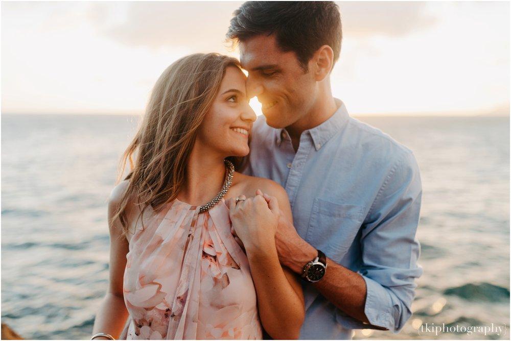 Couples-Session-Hawaii-Sunset-on-the-Beach_0019.jpg