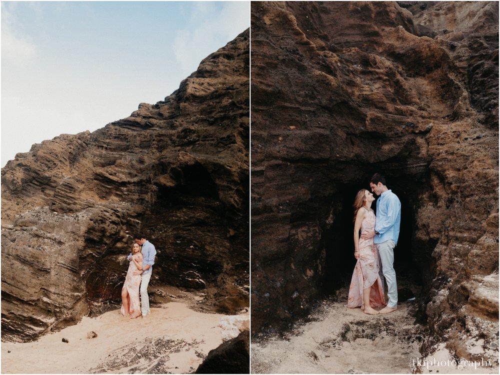 Couples-Session-Hawaii-Sunset-on-the-Beach_0026.jpg