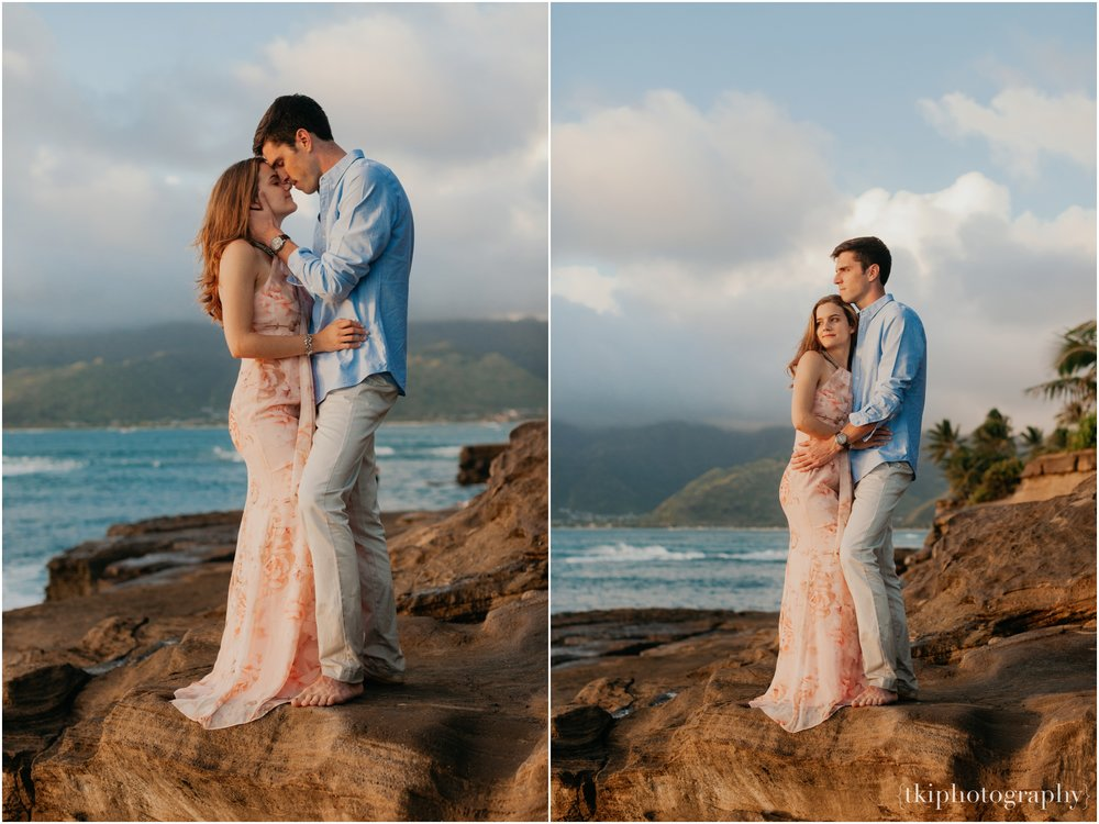 Couples-Session-Hawaii-Sunset-on-the-Beach_0028.jpg
