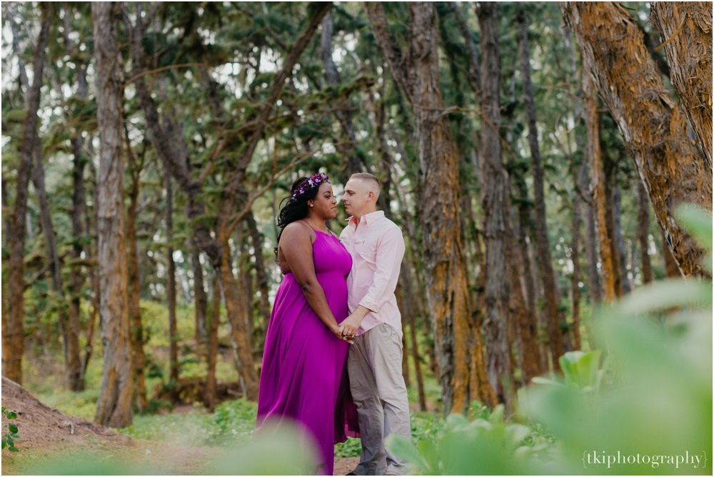 Couples-Session-Hawaii-Sherwoods-Forrest_0002.jpg