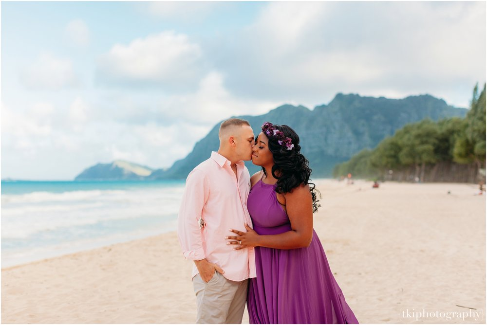 Couples-Session-Hawaii-Sherwoods-Forrest_0006.jpg