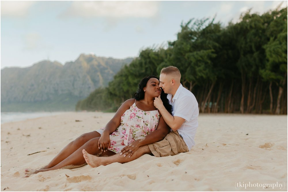 Couples-Session-Hawaii-Sherwoods-Forrest_0016.jpg