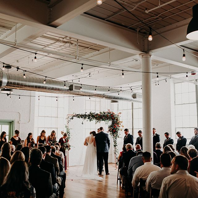 So honored and humbled to see Leah + Mike's wedding on @junebugweddings today! Their day was one of my favorites from this past fall. Not only was is stunning and filled with some of the most amazing vendors but it also was one of the most fun receptions I've ever been to. From a piñata to forming a pyramid with the bride at top (swipe for proof). I'll always remember having a smile on my face from ear to ear because their day was simply full of laughter and celebration. What a gift to be a part of it all ✨