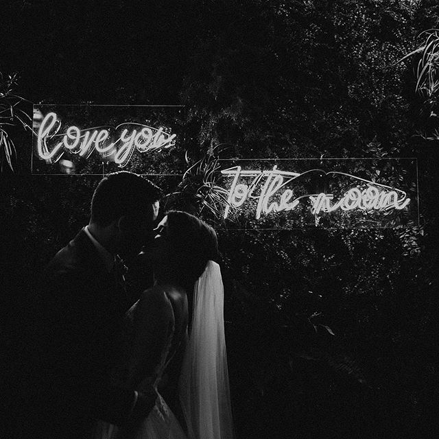 Love you, to the moon 💫 So many fun and magical moments from Emily + Adam's day this past weekend that I had a hard time choosing what to share, but this neon sign that Emily surprised Adam with before their ceremony stole the show. I'm all for filling your day with intentional details that mean something special to you and your person. Even if it's just a sweet phrase you say to each other like the one above, I promise those details will be the ones you value the most and keep in your home and have to always remember the day —🖤