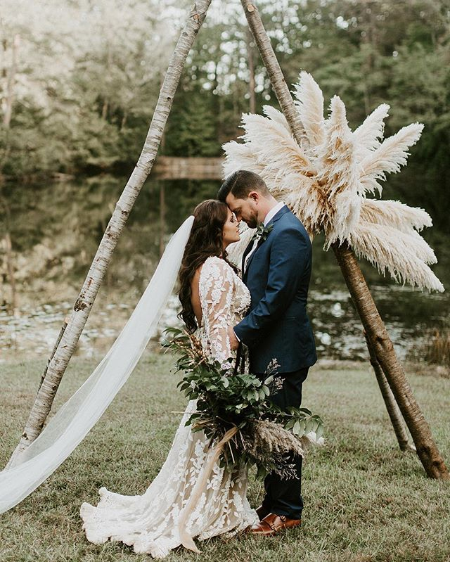 Still trying to pick my jaw up off the floor from yesterday 💫These two put some of the most intentional and beautiful details into their day and it was so fun to be there to capture it all — 🖤