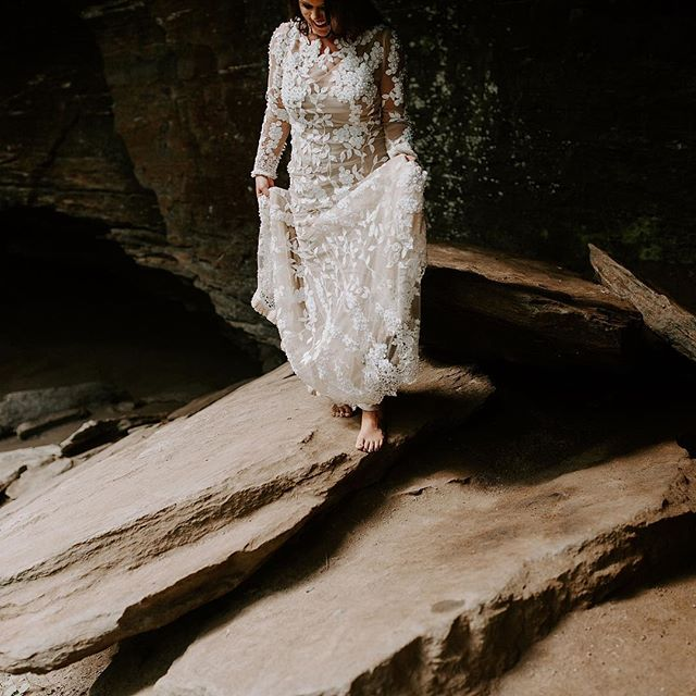 She climbed around a waterfall, bare feet, misty skin and all for her bridals. I call this a rockstar bride 💫 (she's also a super talented jewelry designer and made every piece of jewelry you're seeing!)