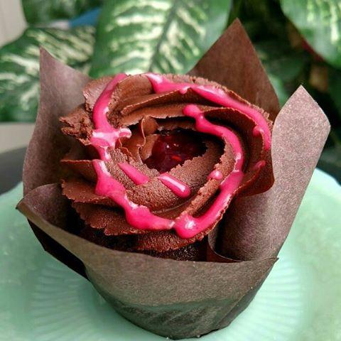 Chocolate Raspberry Cupcake #yfetbakery #dairyfree #eggfree #glutenfree #cake #indianapa # cupcake
