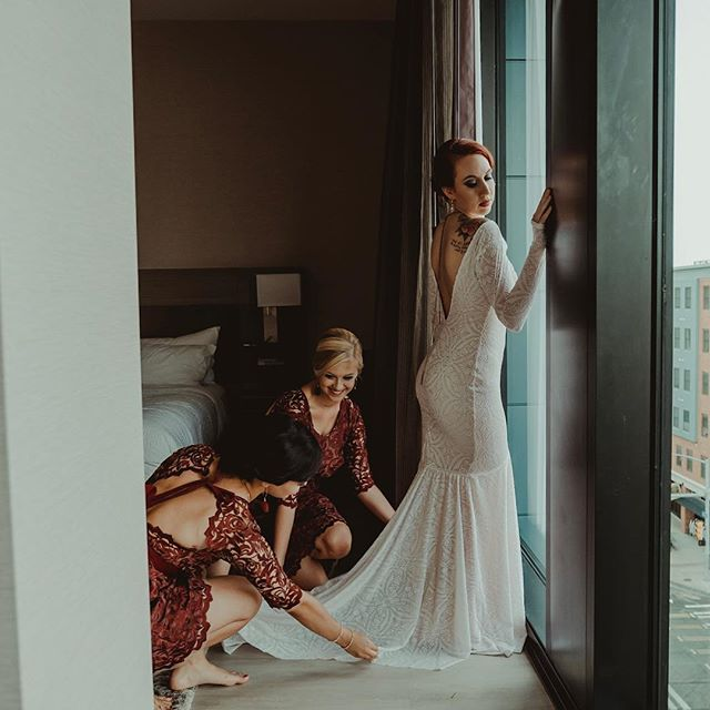 Join me and a few wedding vendors tonight at the @achoteldesmoines // @therepublicongrand as we launch our new ZINE! Would love to see some familiar faces as well as new! The first 25 people get a goodie bag! Enter into our giveaway that has over $1000 prizes. Must be present at 7pm for the drawing + champagne toast! This will be a fun cocktail event. Come take photos with me in our photo booth designed by @uniqueeventsiowa + @egegner ❤️ 5-7pm.