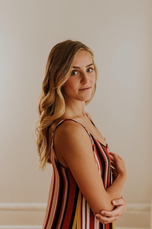 meg-senior-girl-posing-studio-ankeny-high-school-desmoines-iowa-raelyn-ramey-photography-26.jpg