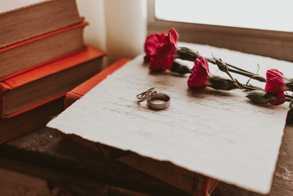 artisans-jewelry-vows-and-books-burlington-iowa-gothic-wedding-elopement-raelyn-ramey-photography-4.jpg
