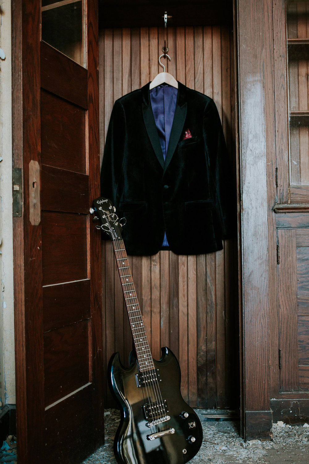 skeffingtons-velvet-groom-jacket-burlington-iowa-gothic-wedding-elopement-raelyn-ramey-photography-62.jpg