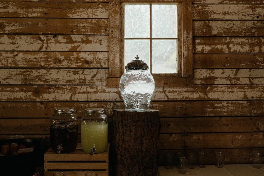 drink-table-reception-double-a-barn-grand-lake-colorado-raelyn-ramey-photography-556.jpg