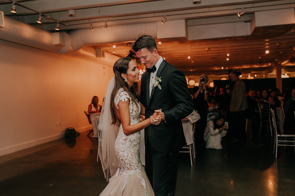 bride-groom-first-dance-founders-one-nine-omaha-nebraska-raelyn-ramey-photography.jpg