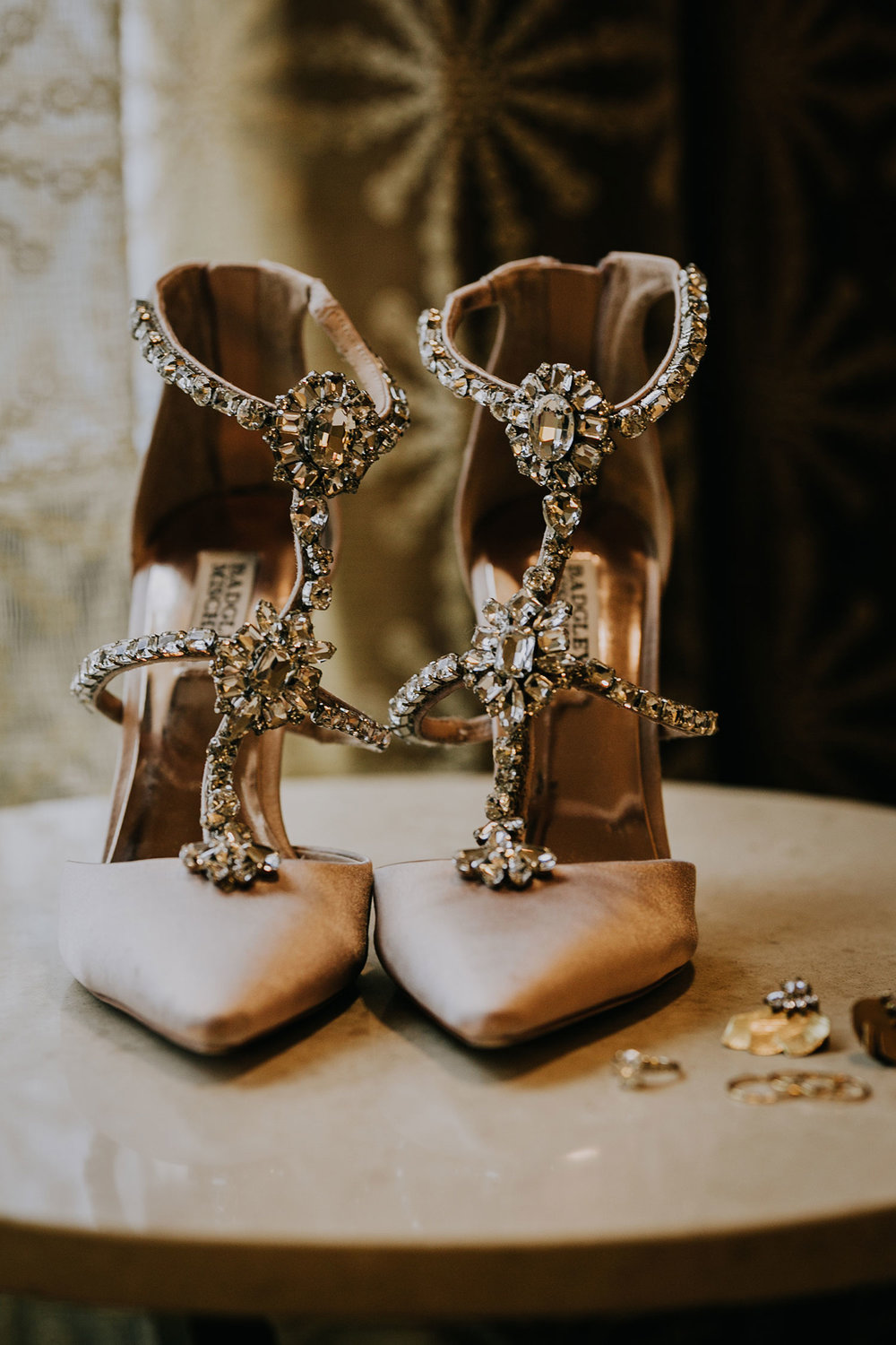 bride-heels-and-jewelry-hilton-omaha-nebraska-raelyn-ramey-photography.jpg