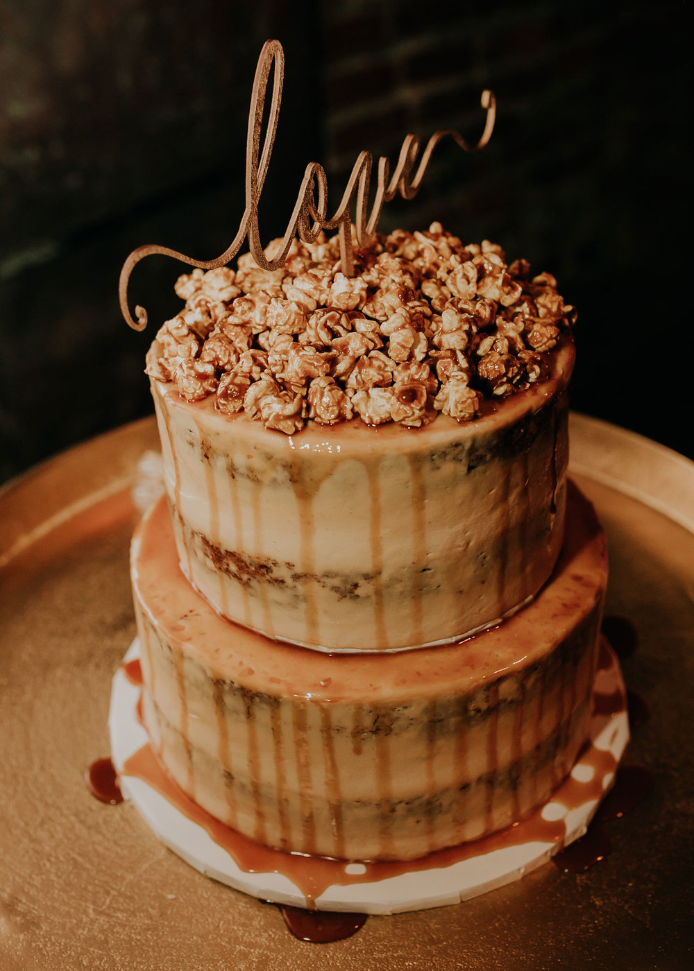 carmel-popcorn-cake-by-cupcake-island-founders-one-nine-omaha-nebraska-raelyn-ramey-photography.jpg