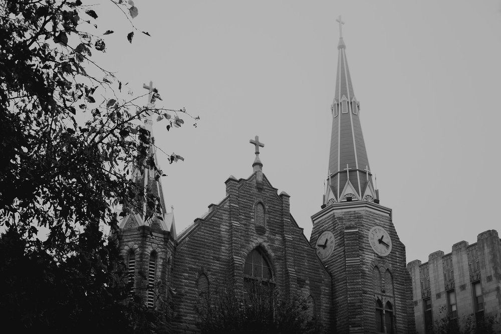 foggy-outside-st-johns-church-at-creighton-omaha-nebraska-raelyn-ramey-photography.jpg