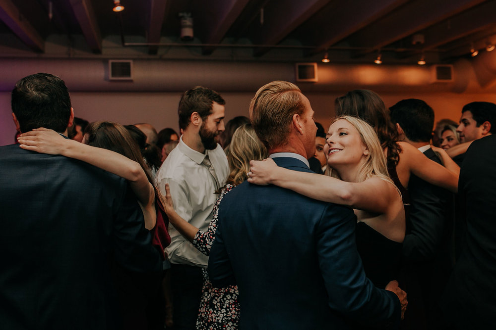guests-slow-dancing-founders-one-nine-omaha-nebraska-raelyn-ramey-photography.jpg