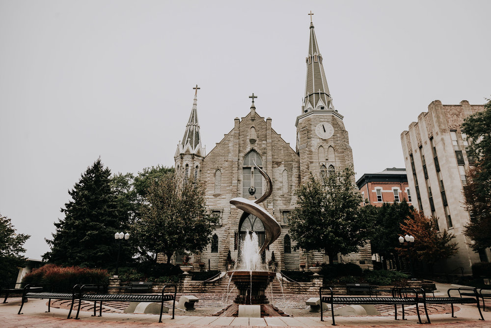 outside-grounds-st-johns-church-at-creighton-omaha-nebraska-raelyn-ramey-photography.jpg