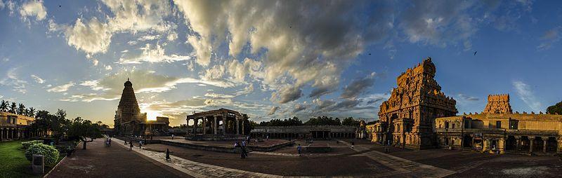 800px-brihadeeswara_temple.jpg