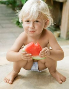 A child sitting in a squat with a slight knock kneed and flat footed position is a common example of conserving energy by resting on the joints and ligaments. This strategy gets riskier with age as these structures get less resilient.