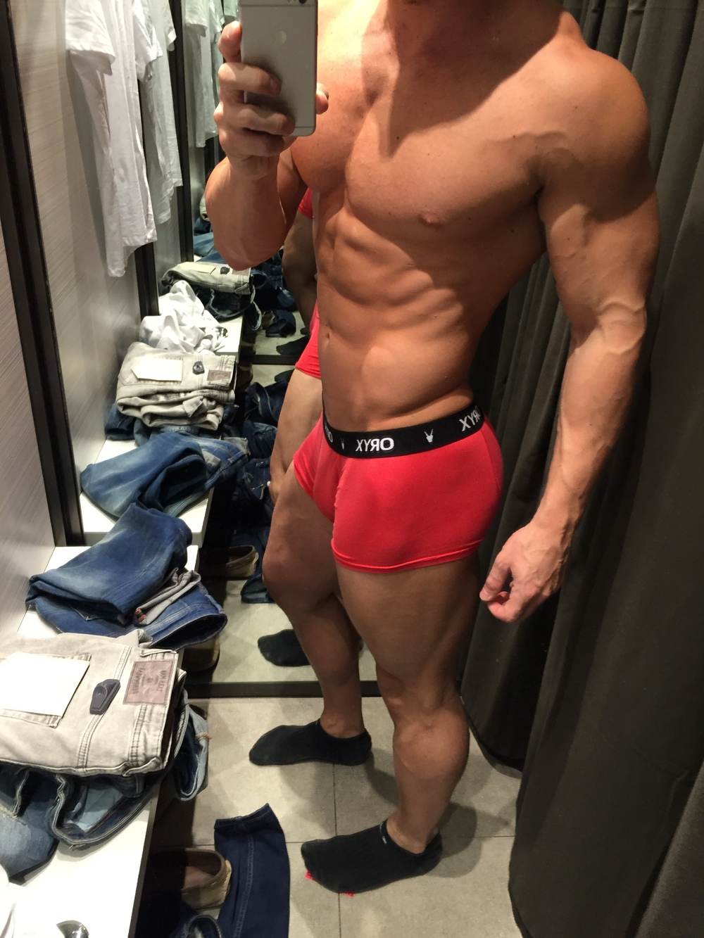 Vinny Lawdenski shopping for some jeans in the Oryx Sport Trunk