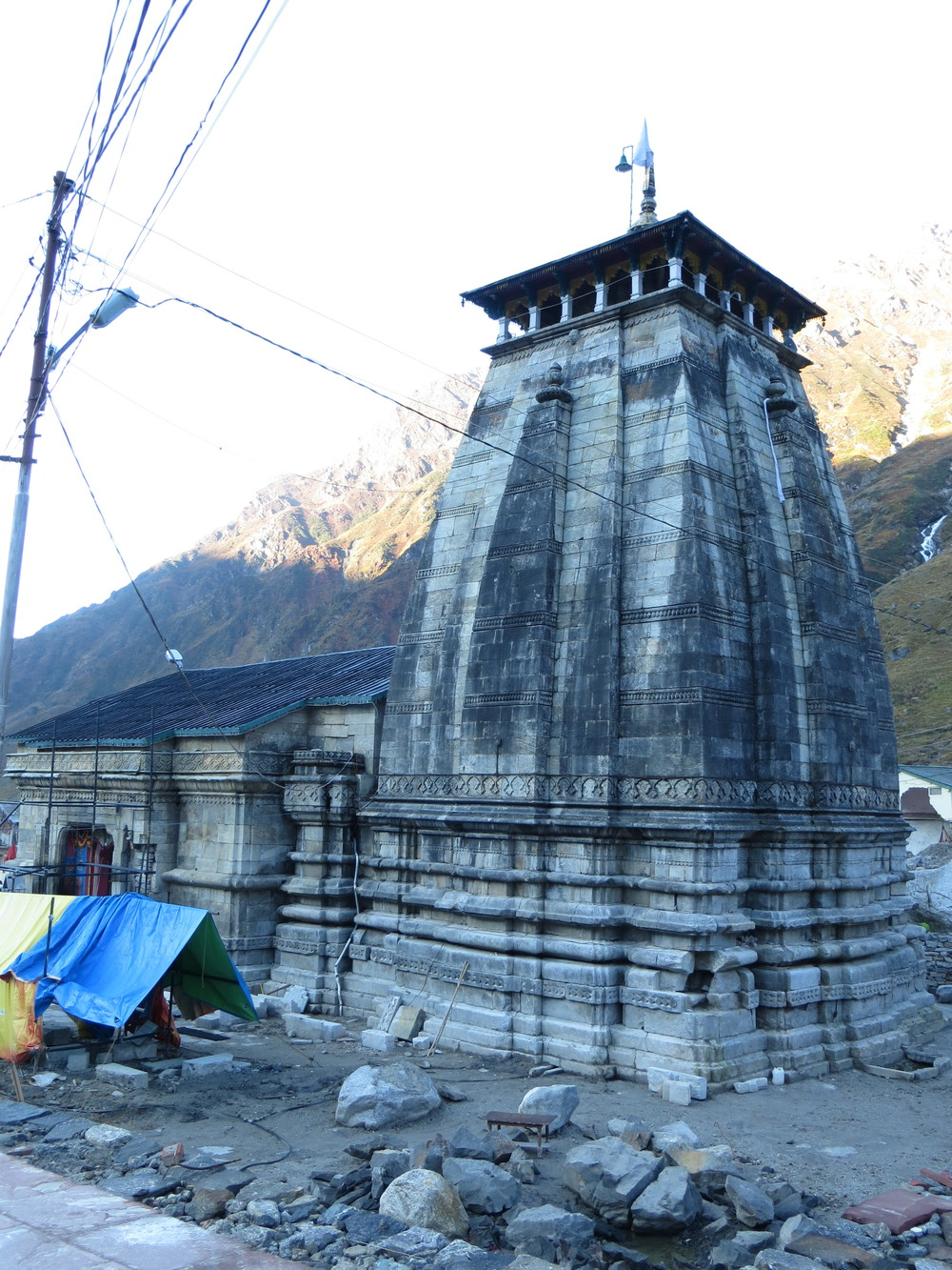 Initial view of back of temple