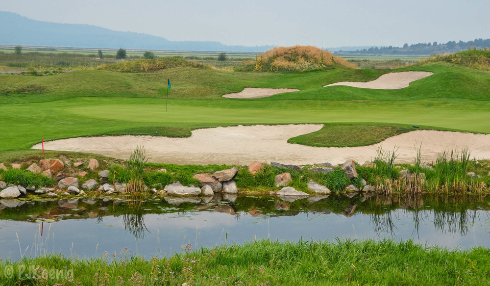 The par 4, 4th hole at Running Y Ranch
