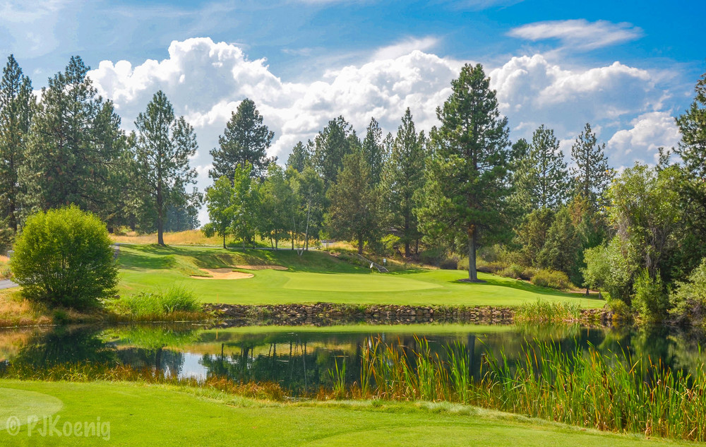The par 3, 3rd hole at Bend Golf & Country Club