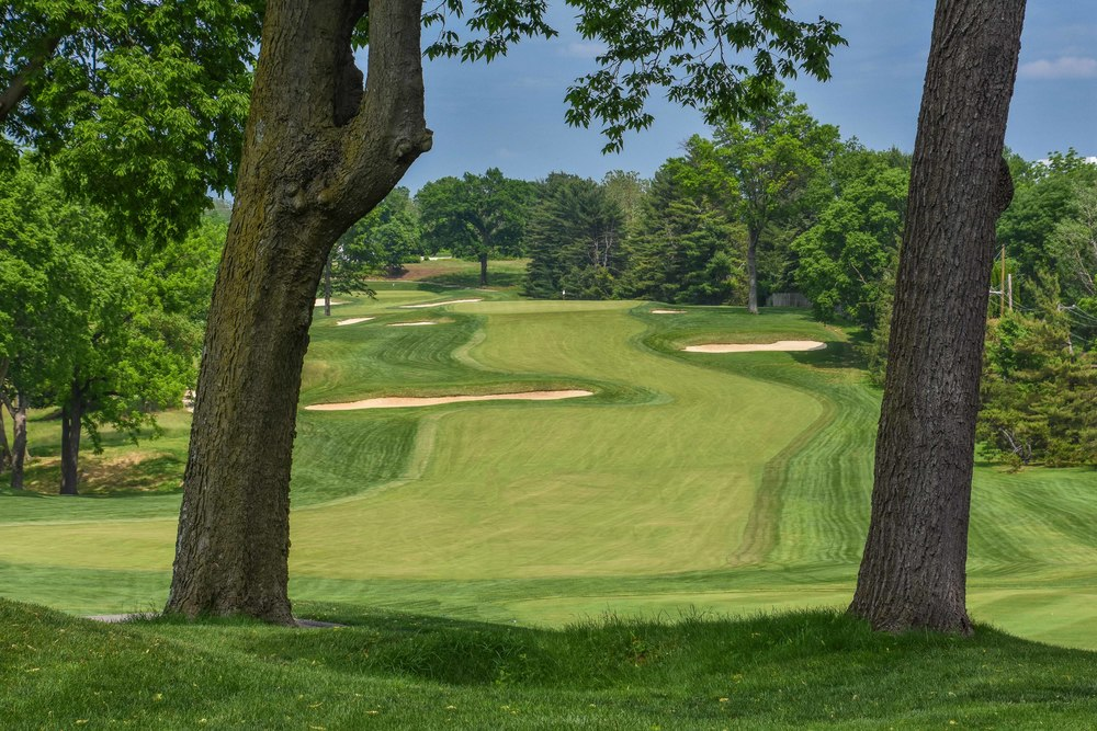 The opening hole at Gulph Mills lets visitors know they are in for a delicious test of golf, aka a testy treat.