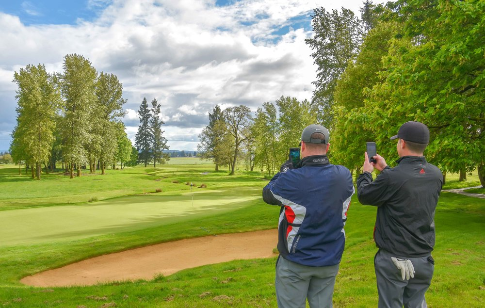 I show a couple of Eighty Clubbers the ropes of iPhone golf course photography at Pumpkin Ridge.
