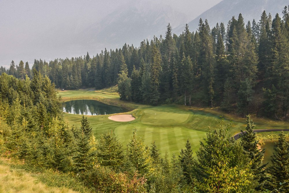 The stunning downhill 9th hole:  I would get nasty and make a 2!