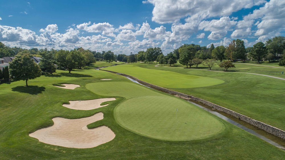The short par 5 10th hole at Hurstbourne CC.