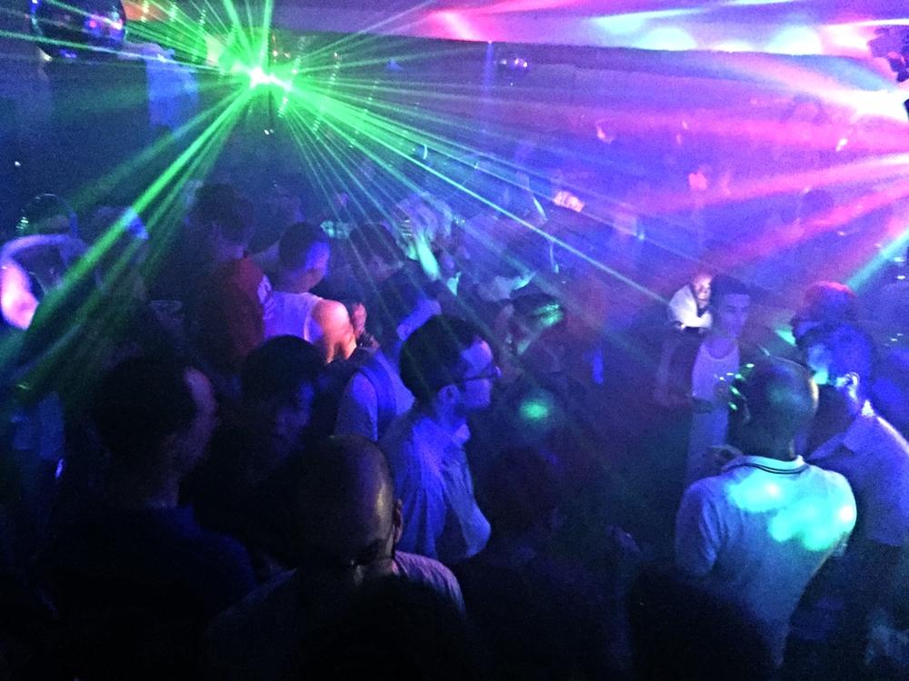 DJ Crowd.JPG
