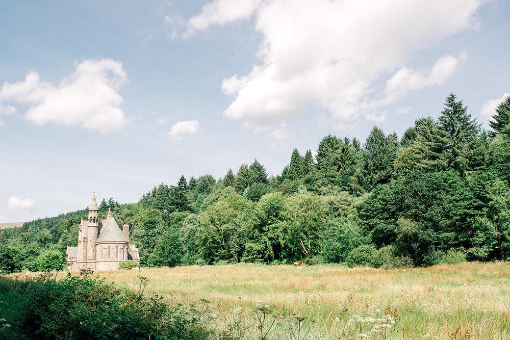Lucy_Davenport_Photography_Robbins_Drumtochty_Castle-126.jpg