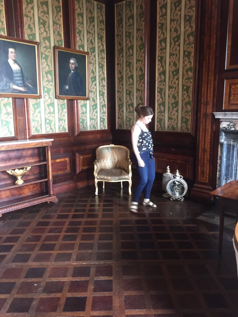 A little furniture re-jig so we can make the most of the beautiful wood and original wall coverings of the drawing room.
