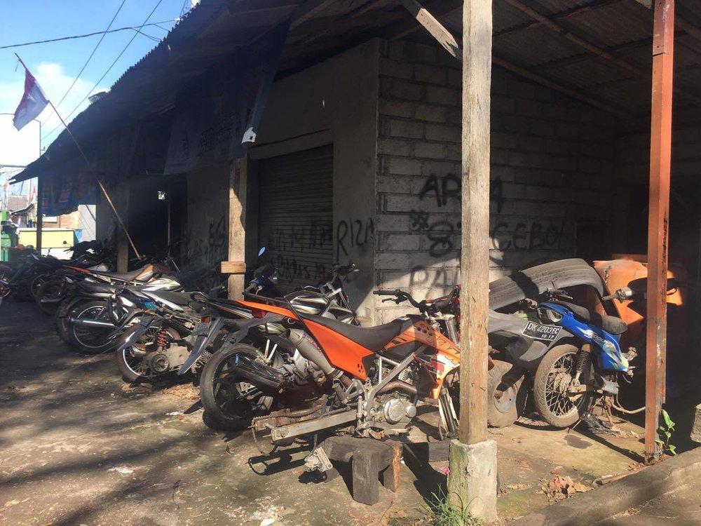 Paikallinen pyöräkorjaamo...