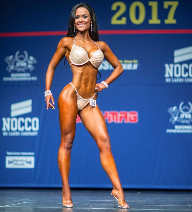 Sportlife Teamin upea Ida Keränen voitti bikini fitneksen junnu- ja yleisen sarjan -kisat! kuva: Bodymag