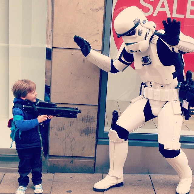 How my boy deals with the empire! Dunno where he learned to shoulder his rifle like that we didn't weapons train him honest 😳 #starwars #fun #instacool #funny