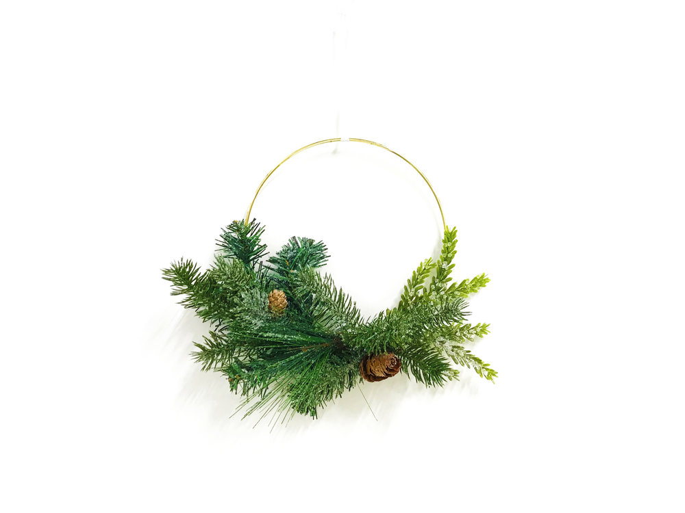 Chic Wreath 4x3.jpg