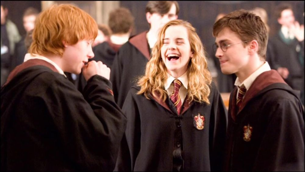 "<a href=""http://www.totallyemmawatson.com/gallery/acting-career/harry-potter-and-the-order-of-the-phoenix/on-set"">On Set</a>"
