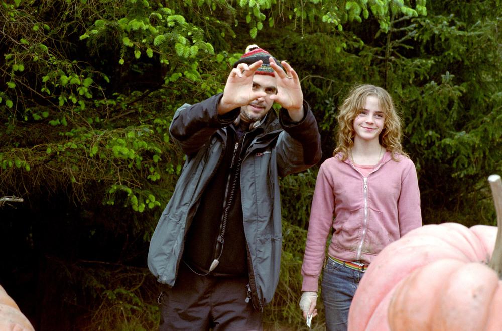 "<a href=""http://www.totallyemmawatson.com/gallery/acting-career/harry-potter-and-the-prisoner-of-azkaban/on-set"">On Set</a>"