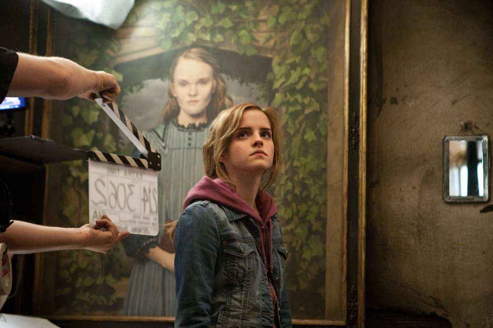 "<a href=""http://www.totallyemmawatson.com/gallery/acting-career/harry-potter-and-the-deathly-hallows-part-2/on-set"">On Set</a>"