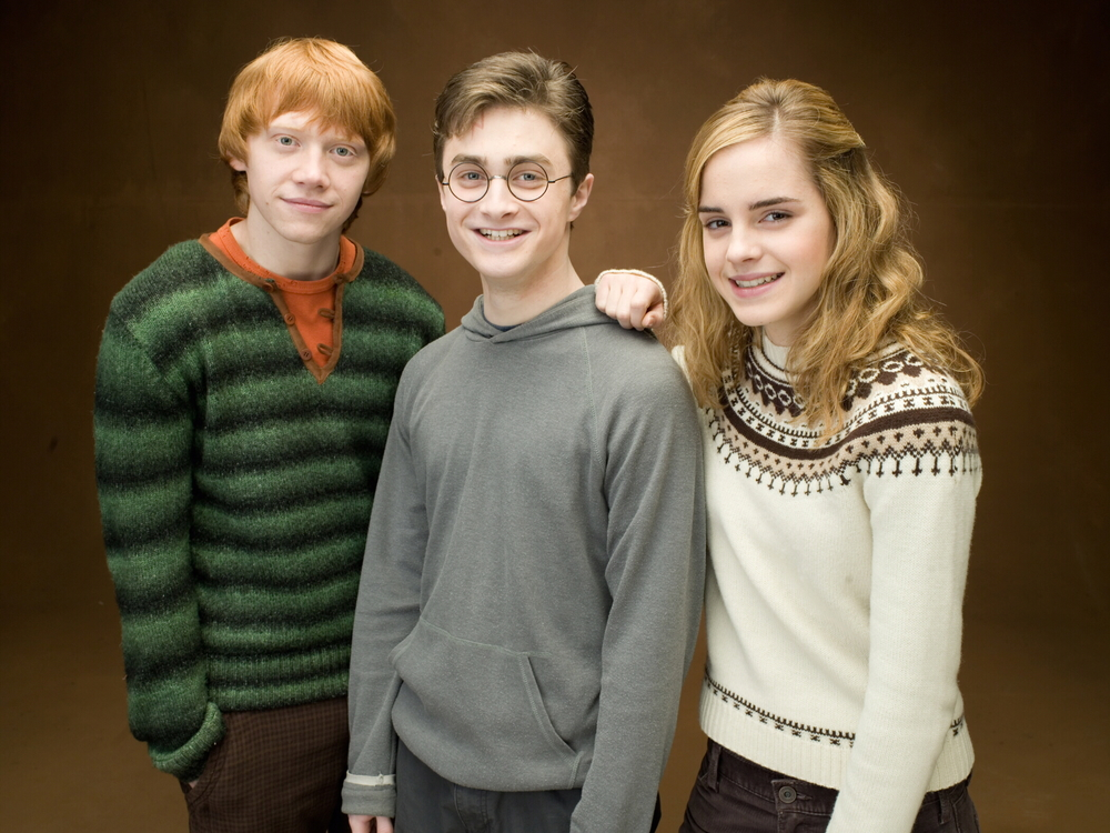 "<a href=""http://www.totallyemmawatson.com/gallery/acting-career/harry-potter-and-the-order-of-the-phoenix/photoshoot"">Photoshoot</a>"